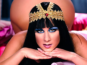Stunning Egyptian Cleopatra gets fucked by a big Roman cock